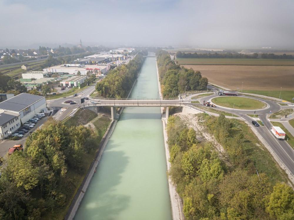 01 Fertige Innkanalbrücke Harthausen - Straßenbrückenbau / Kreisverkehrsplätze - INFRA Ingeneurbüro für Infrastruktur